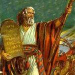 Moisés, el faraón y el dios ineficiente y presumido.